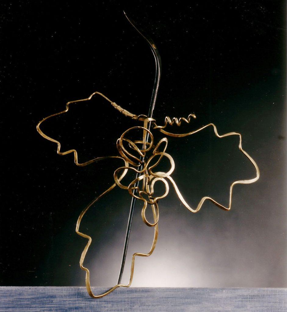 Hairpiece Grapevine, 1985, bronze, iron, 20x17x5 cm