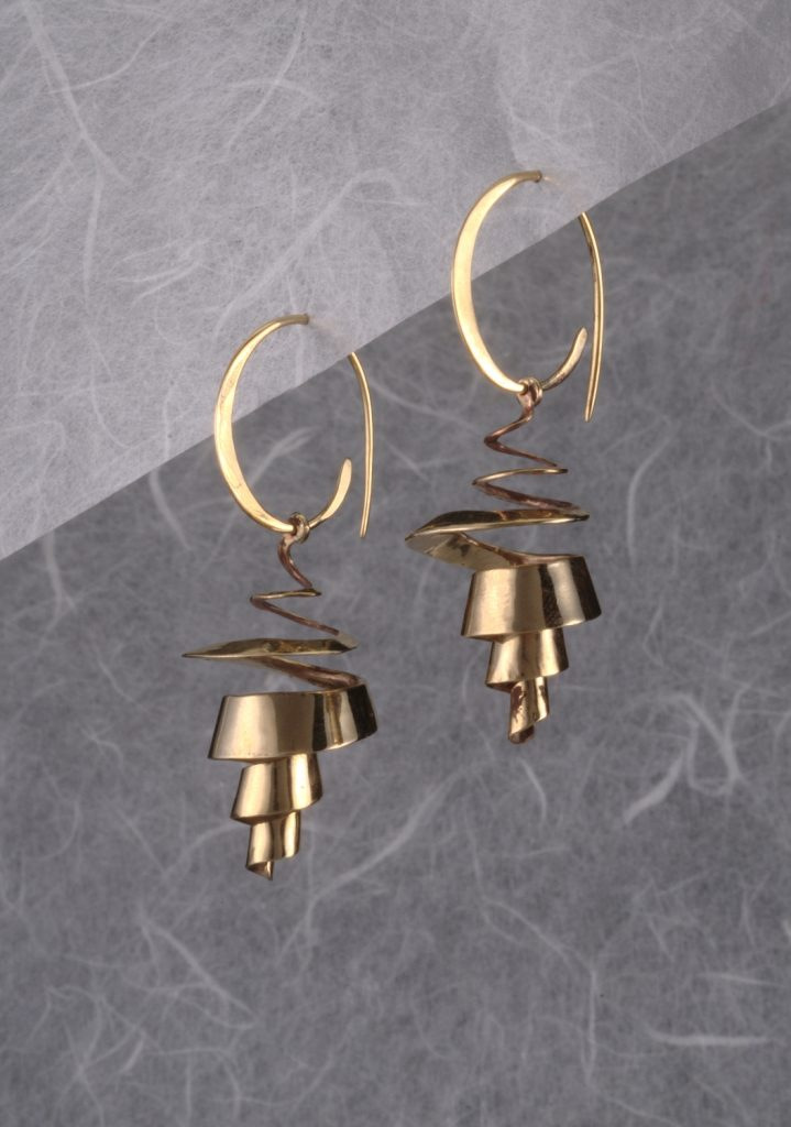 Earrings, Spiralling Rinds, 2011, gold plated bronze, 5x2x2 cm (one woman show)