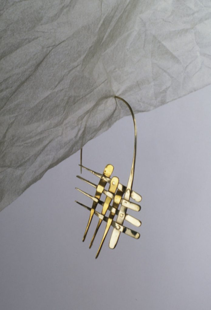 Earrings Woven, 1994, bronze, silver, 5,5x3 cm