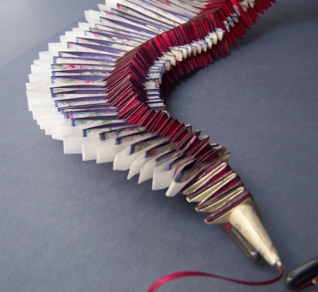 Collar, detail