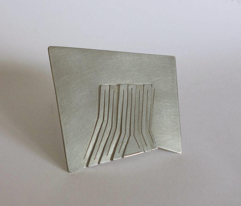 Brooch: silver