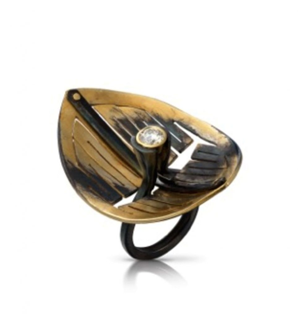 Ring  : gold plated iron, gold, diamond