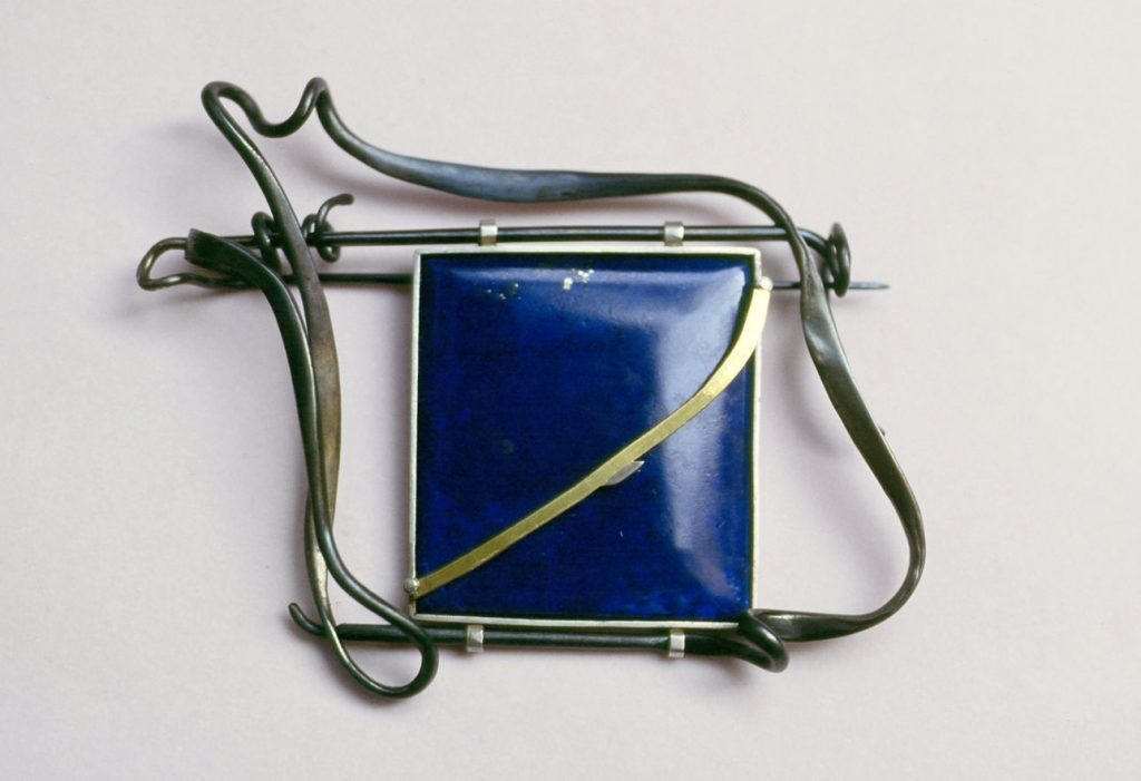 Brooch: forged iron, lapis lazuli, silver  1999