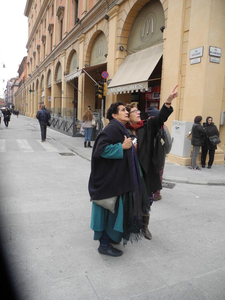 walking in town, Bologna web_DSCN5747