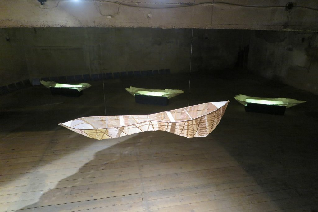 Leading boat and Fragile boats
